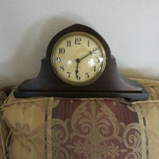 Gilbert Shelf Clock